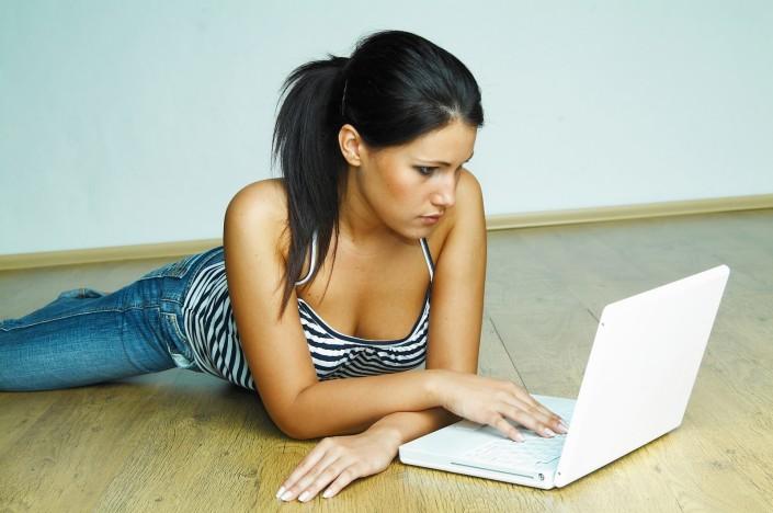 Работа по веб камере моделью в галич высокооплачиваемую работу девушкам в москве