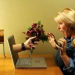 Онлайн знакомства: читаем содержание анкет и сообщений