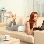 Как найти работу красивой девушке в интернете?