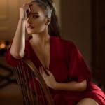 Шёлковый пеньюар: невероятные идеи сочетания женственности, роскоши и обольщения