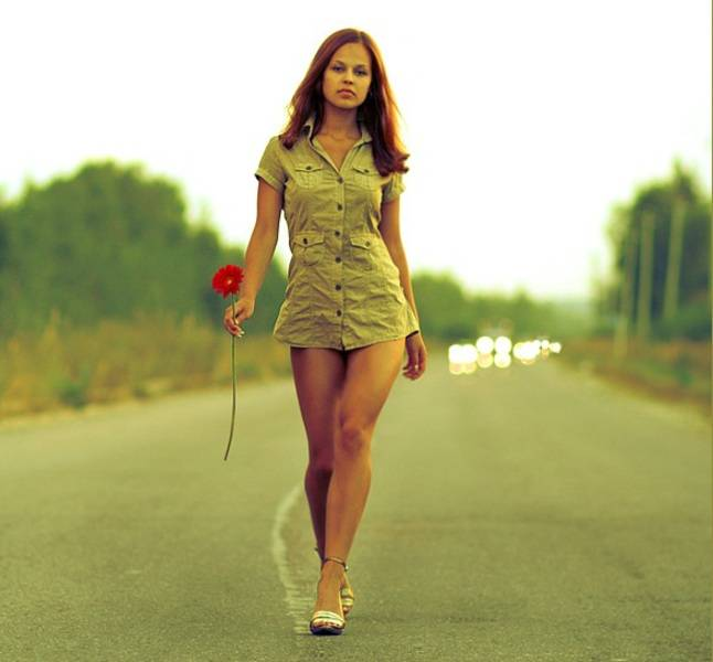 Красивая женская походка